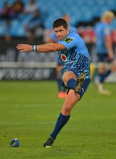 Morne Steyn reigns in Bulls' Super Rugby win over Sharks South African Rugby Players, Rugby 7's, World Rugby, Super Rugby, Kings Park, Sports Magazine, Dynamic Poses, Rio Olympics 2016, All Blacks