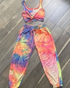 "5 Girlies Boutique on Instagram: ""Girlies!! 🔥 Introducing our new 2-piece set. 😍 Who else is feeling this comfortable outfit?   $38   #boutique #5gboutique #wednesday…"" Tie Dye Outfits, News 2, Comfortable Outfits, Wednesday, Boutique, Clothes, Instagram, Dresses, Fashion"