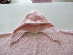 Kapuze annähen Kids Beach Towels, Beach Kids, Hats, Handmade, Diy, Fashion, Dressmaking, Bebe, Baby Sewing