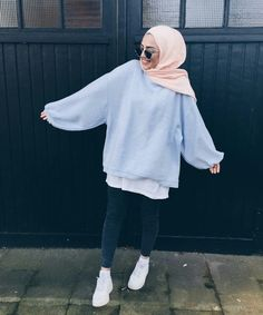 Style hijab sweater 69 ideas for 2019 Modern Hijab Fashion, Street Hijab Fashion, Hijab Fashion Inspiration, Islamic Fashion, Muslim Fashion, Casual Hijab Outfit, Hijab Chic, Casual Outfits, Kimono Outfit