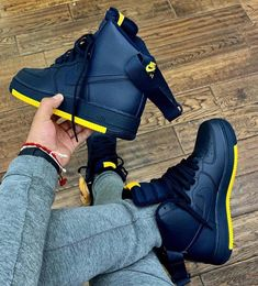 Nike air force 1 high navy / mustard bottom – Rbtodd – Join in the world of pin Nike Shoes Photo, Nike Free Shoes, Sneakers Fashion, Sneakers Nike, Nike Shoes Air Force, Nike Air Force High, Jordan Shoes Girls, Kicks Shoes, Fresh Shoes
