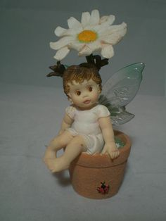 Enesco My Little Kitchen Fairies OOPSEY DAISY FAIRIE Flowerpot 106962 2002 www.classicsncollectiblesbycheryl.com