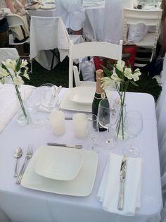 Dîner en Blanc table setting - pleasant event