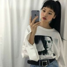 Image in Ulzzang Girls collection by ❥ ela on We Heart It Ulzzang Fashion, Ulzzang Girl, La Girl, Korean Fashion Trends, Pretty Eyes, Girls Image, Asian Style, Aesthetic Girl, Messy Hairstyles