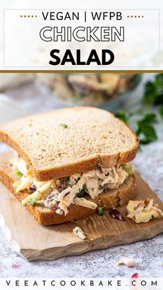 This vegan chicken salad recipe is a quick & easy plant based summer recipe for your next vegan sandwich. Make this vegetarian chicken salad with jackfruit and palm hearts. It is gluten free, oil free and whole food plant based friendly. It has the perfect texture & thanks to the homemade chicken broth powder an authentic taste. Best vegan salads to try. Best chicken salad recipe with no chicken instead we are using wholesome & healthy ingredients #veganchickensalad #vegansalad #vegansandwich Vegan Sandwich Recipes, Vegan Dinner Recipes, Delicious Vegan Recipes, Whole Food Recipes, Vegetarian Recipes, Salad Recipes, Vegan Sandwiches, Picnic Recipes, Lunch Recipes