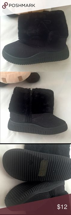 Pom Pom  Booties for toddlers BRAND NEW. Booties for toddler Boots Fashion ElementTurned-over Edge GenderUnisex Lining MaterialCotton Fabric Outsole MaterialRubber SeasonWinter FitFits true to size, take your normal size Closure TypeZip Boot HeightAnkle Toe ShapeRound Toe Heel TypeFlat with Boot TypeSnow Boots Upper MaterialFlock Shoes Boots