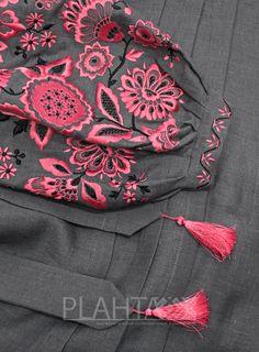 Сукня-вишиванка Hand Embroidery Dress, Embroidery On Kurtis, Kurti Embroidery Design, Embroidery Fashion, Boys Clothing Stores, Casual College Outfits, Ukrainian Dress, Creative Knitting, Iranian Women Fashion