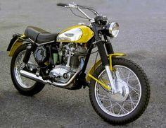 Will the new Ducati Scrambler be Thai? - Andres Suarez - - Will the new Ducati Scrambler be Thai? Ducati Scrambler, Ducati Desmo, Retro Motorcycle, Ducati Motorcycles, Scrambler Motorcycle, Vintage Motorcycles, Yamaha, Vintage Bikes, Triumph Bonneville
