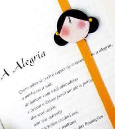 MArcaDOr eláSticO - opÇãO MeNiNa by Santa Bagunça, via Flickr Diy Bookmarks, Page Marker, Cute Dolls, Christmas Gifts, Handmade Dolls, Crafts, Nova, Palette, Craft Ideas