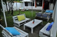 Outdoor Furniture made from recycled / recycling pallets