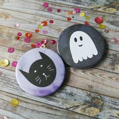 Halloween button badges, black cat pin, ghost badge, kawaii badges, Halloween accessories, Halloween party, 38mm button badge set, UK shop by DiglotEtc on Etsy https://www.etsy.com/ca/listing/467661030/halloween-button-badges-black-cat-pin