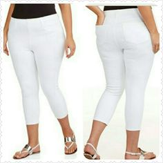 Capri Stretch Jeggings Cute and comfy stretch jeggings. Prefect for day or evening wear. Dress up with a blazer or down with a tank. Material: 51% Polyester, 42% Cotton, 7% Spandex. Approx Sizing: 1X= 16-18, 2X= 20-22, 3X= 24-26 Pants Capris