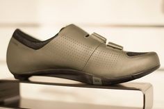 New Specialized Audax cycling shoes. This one is in Oak Green. Nice eh? | Racefietsblog.nl