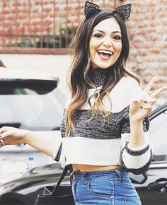 Fc: Bethany Mota,Amanda Steele, Ariana Grande|| H-Hi I'm S-Sydney M-Mota. I'm bullied but s-sometimes my anxiety isn't bad