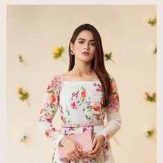 Pakistani Dresses Casual, Formal Dresses, Frock Fashion, Pakistani Actress, Cute Beauty, Girls Dp, Celebs, Celebrities, Frocks