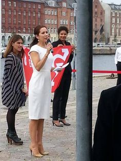 Crown Princess Mary participated in the meeting for 'Women Deliver' and she raised a flag for the United Nation's new Global Goals