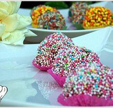 ΧΡΙΣΤΟΥΓΕΝΝΙΑΤΙΚΑ ΓΛΥΚΑ - Page 2 of 3 - Νόστιμες συνταγές της Γωγώς! Sprinkles, Sweets, Candy, Desserts, Recipes, Food, Tailgate Desserts, Deserts, Gummi Candy