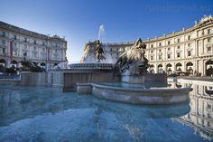 Fontana delle Naiadi, piazza della Repubblica, Rome Italy