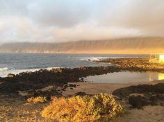 #domingo tarde en la caleta de #Famara - #Lanzarote  @lasantaprocenter  #sunset #lasantasurf #lasantasurfprocenter http://ift.tt/SaUF9M