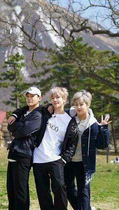 Exo cbx chen, baekhyun and xiumin