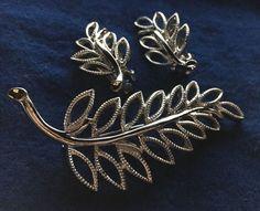Vintage Emmons 50s 60s Wonderful Filigree Leaf Brooch Clip on Earrings | eBay