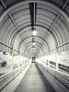 Estação de metrô / Belo Horizonte/ Minas Gerais  #subwaystation #brazil #photography #generalmine #subway #PB #symmetry