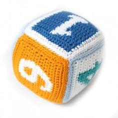 Gehäkelter Spielwürfel (marinen Farben) Stofftier mit Rassel - aus der Produktlinie Spielzeug auf Sindibaba.com
