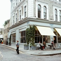 Notting Hill, Granger & Co restaurant.