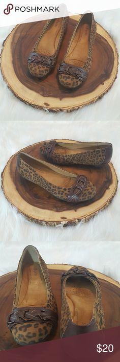 Softspots Cheetah Print Shoes Softspots Cheetah Print Shoes Size- 8.5 Brown leather design along front Softspots Shoes