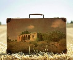 ''Memory Suitcases'' - Israeli artist, Yuval Yairi, uses vintage suitcases as a canvas to paint images of the places he visited while travelling around Israel. The suitcases themselves, then become a kind of souvenir postcard. Vintage Suitcases, Vintage Luggage, Old Luggage, Travel Memories, Landscape Paintings, Landscapes, Amazing Art, Illustrators, Crafty