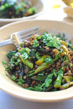 Kale with asparagus and lentils