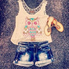 Love that sequin owl top, Miss me shorts & those sandals♥♥