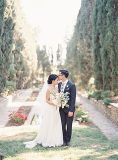 sodazzling.com | bride and groom | Romantic Dusty Pink Wedding from The Great Romance -  thegreatromancephoto.com
