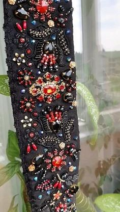 Hand Embroidery Art, Beaded Embroidery, Embroidery Designs, Baroque Dress, Crystal Belt, Fashion Illustration Dresses, Bridal Hair Flowers, Diy Crystals, Baroque Fashion