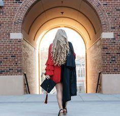 College Senior Pictures, Grad Pictures, College Graduation Pictures, Graduation Picture Poses, Graduation Photoshoot, Grad Pics, Graduation Ideas, Senior Year, Senior Photos