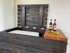 It's 5 o'clock somewhere! Complete build plans available to build your own DIY Cooler Deck Box. #diy #outdoorfurniture #coolerdeckbox Woodworking Tutorials, Woodworking Furniture Plans, Outdoor Projects, Diy Projects, Diy Cooler, Bench With Back, Privacy Screen Outdoor, Cool Deck, Deck Box