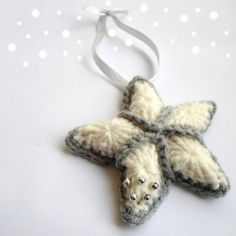 Free crochet pattern with picture tutorial in both English and Dutch! #christmas