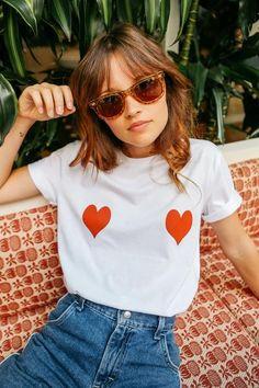 Tee Heart 💗 Whats 991916668 ou direct , Compras link bio Cool Shirts, Tee Shirts, Tees, T Shirt Custom, Hand Painted Dress, Lolita, Thrift Fashion, T Shirts For Women, Clothes For Women