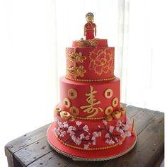 【wynnecakes】さんのInstagramをピンしています。 《80th birthday cake. #chinese #grandma #love #wynnes #birthdaycake #cherryblossoms》