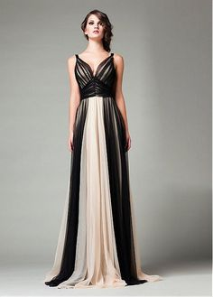 Charming Tulle V-neck A-line Evening Dresses With Pleats