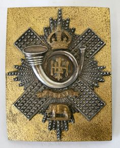 Highland Light Infantry Officer's Shoulder Belt Plate, post from & Foot) Uk Arms, Highlanders, Cold Steel, British Army, Military Fashion, Armed Forces, Swords, Badges, Belts