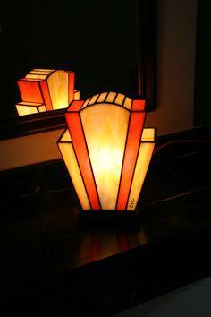 "Lampe Art Déco Vitrail Tiffany ""Nude Agrume"""