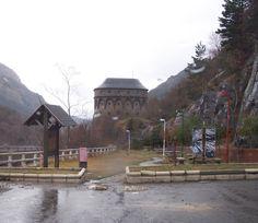 Canfranc, Huesca, Spain. Torreta de Fusileros. Canfranc. Localidad pirenaica, muy cerca de Francia y del Parque Nacional de los Pirineos es un espectacular valle pirenaico labrado por las aguas del río Aragón, con su patrimonio cultural, montaña, deportes de nieve y rica gastronomía.