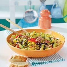 Das Rezept für Pastasalat mit Salsaverde und Thunfisch und weitere kostenlose Rezepte auf LECKER.de