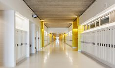 Corridor Design - Gallery - Back of the Yards High School / STL Architects - 9