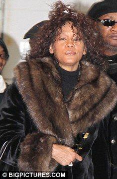 Whitney Houston Family Pictures Google Search Whitney Houston Wedding Whitney Houston Lady Diana