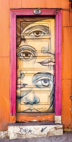 front door paint colors - Want a quick makeover? Paint your front door a different color. Here's some inspiration for you. Front Door Paint Colors, Painted Front Doors, Cool Doors, Unique Doors, Entrance Doors, Doorway, Graffiti, Street Art, Pintura Exterior