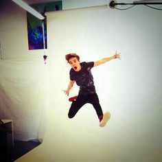 Joe Sugg is good at being a kid and hot at the same time..