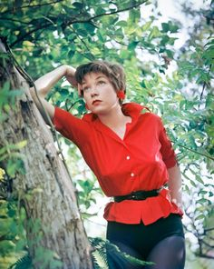 Happy birthday to Shirley MacLaine. She turned 85 on Old Hollywood Actresses, Old Hollywood Stars, Classic Hollywood, Audrey Hepburn, Julie Newmar, Terms Of Endearment, Shirley Maclaine, Academy Award Winners, Popular People