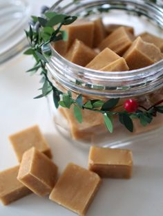 Vaniljainen Helppo Fudge | Annin Uunissa Most Delicious Recipe, Yummy Food, Tasty, Christmas Inspiration, Easy Cooking, Fudge, Sweets, Cheese, Baking